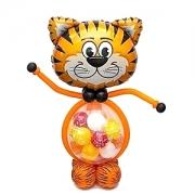 Тигрёнок с шариками