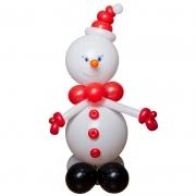 Снеговик в красной шапке